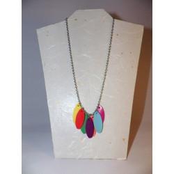 Pétales de cuir multicolores