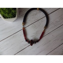 Collier corde, pierre de lave et grosses perles de verre