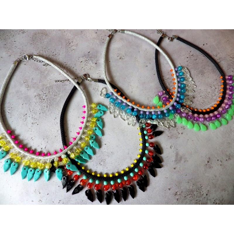Colliers perles multicolores et corde