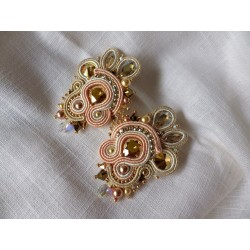 """Fifty shades of gold"" boucles d'oreilles soutache et Swarovski"