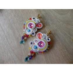 """""""ARLEQUIN"""" boucles d'oreilles en soutache et cristaux Swarovski multicolores, clous inox"""