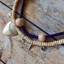 Collier heishi pierre et coco, pendentifs métal