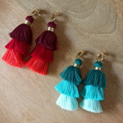 Boucles d'oreilles pompons triples colorés