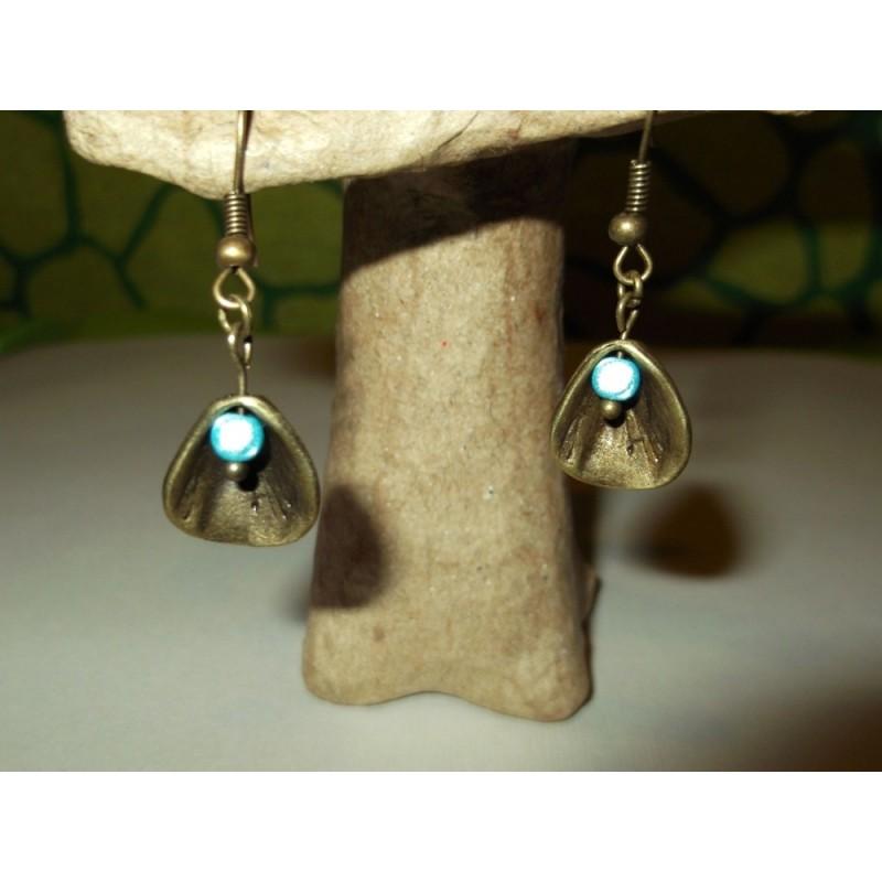 Perles magiques et pétale bronze
